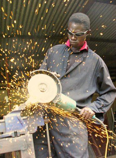 angle grinder, work, sparks-429757.jpg